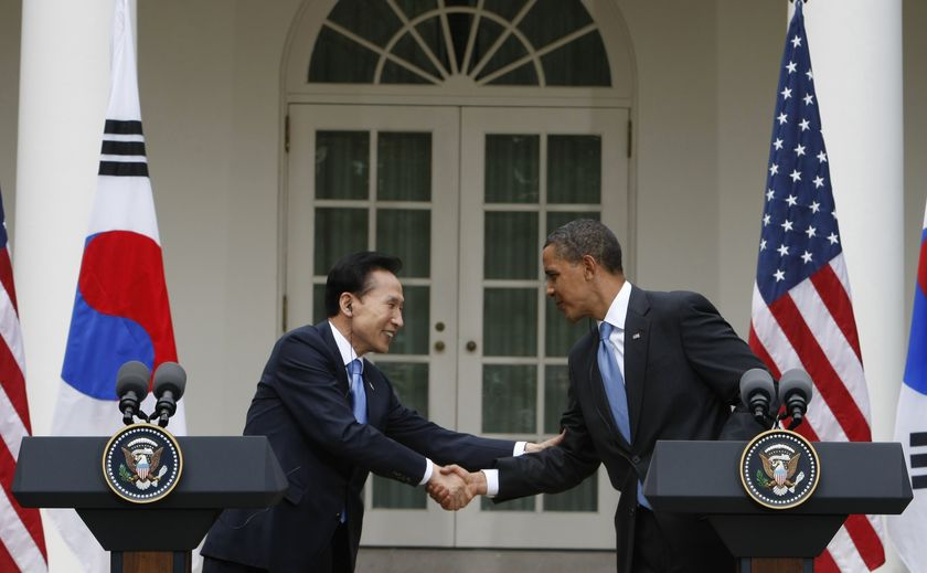 Obama announces a massive trade pact with South Korea
