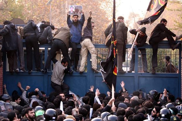 UK expels Iranian diplomats
